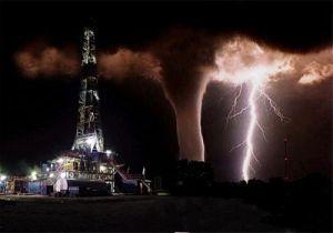 oil_rig_tornado_sm